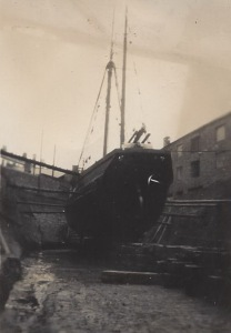 10. Ceres in dry-dock j