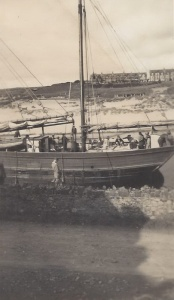 16. Ceres, waiting to lock out, Bude