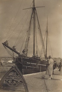 17. Ceres, waiting to lock out, Bude