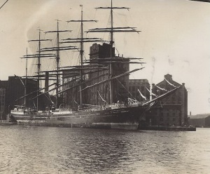 'Kobenhavn', Danish 4-mast barque, discharging grain in West Float, Birkenhead