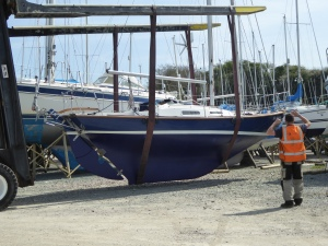 Need to finish antifoul where the chocks touched